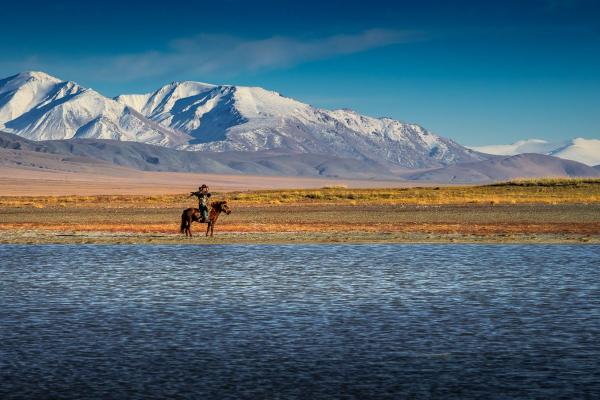 Visiting the Kazakh eagle hunters with Estancia Ranquilco